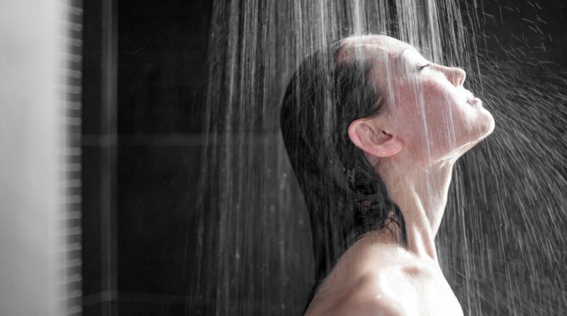 Bad Shower Habits (Skyn Stories by Dr Meenu Sethi)