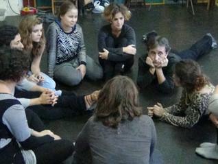 """Creatividad, emoción y consciencia compartida entre las 20 participantes del 1º módulo """"Teatro"""