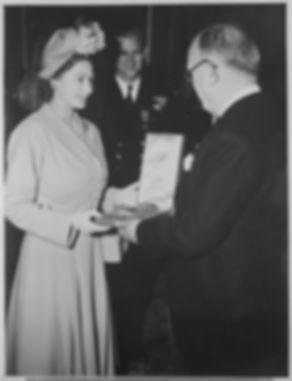Elisabeth_légion_d'honneur.jpg