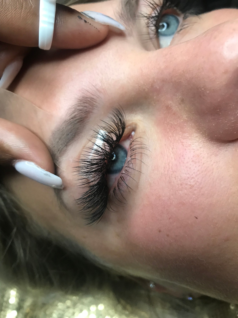 Top & Bottom Lashes