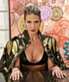 Somos uma marca inovadora focada na Moda como Arte, na Moda como fonte de Sustentabilidade, Exclusividade e Elegância! www.vebobstore.com.br VêBob Store