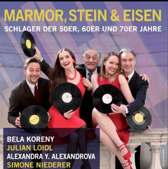 Schlager Revue - Solistin