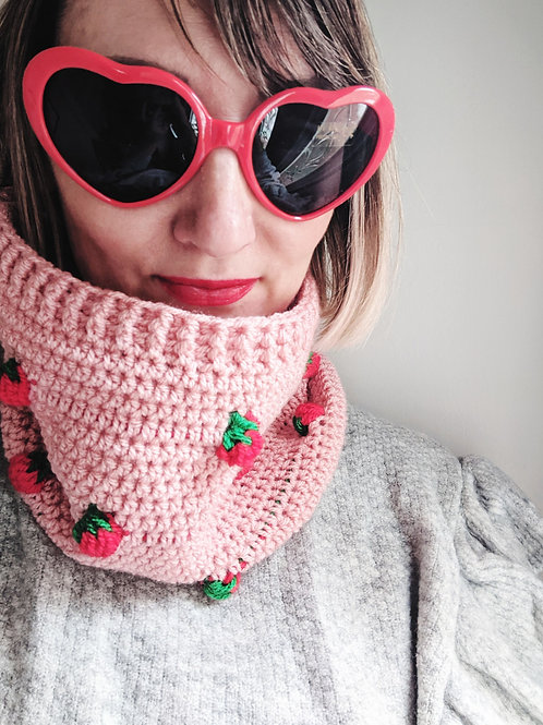 Strawberry Delight Snood
