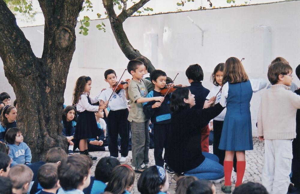 Mini Violinos na Escolinha