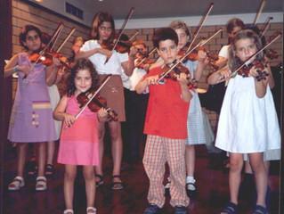 Audição de Violino e MiniViolinos, em 2002, na EMNSC.