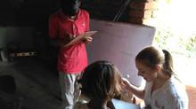 Kat forteller om å være engelsklærer i Tikri