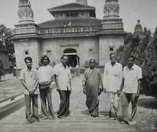 Shri Dattaswarupi Padmatai with Vidyadharatheertha