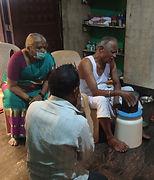 Hearing Vani through Vidyadhaaratheertha Guruji