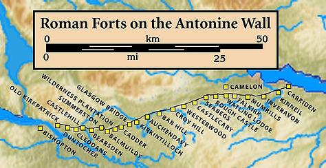 880px-Antonine.Wall.Roman.forts.jpg