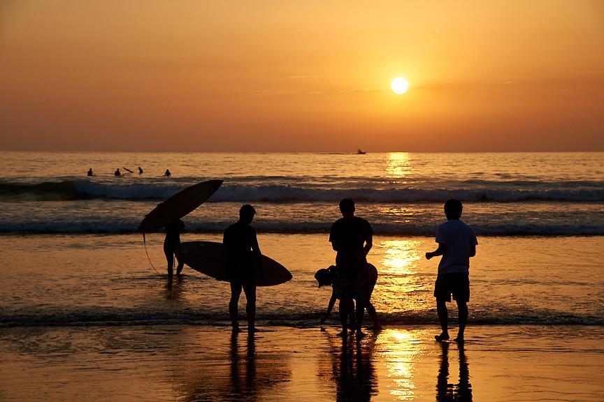 SURFERS 2.jpg