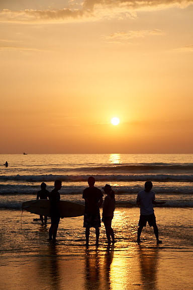 SURFERS 1.jpg