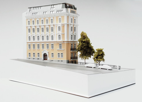 Immobilien Modell fur WINEGG Immobilien von Scala Matta Modelbau Studio