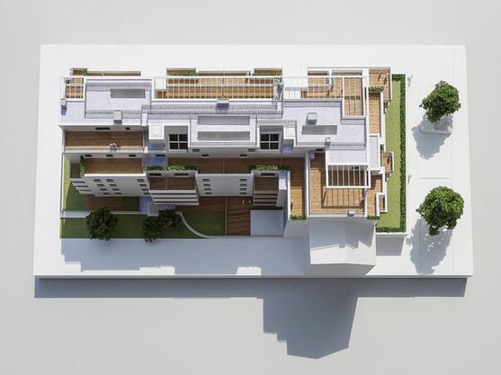 Immobilienmodell, Maßstab 1:100, Modell Materialien: Polystyrol, Plexiglas,  Acryl