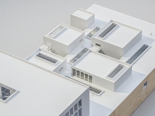 Detailliertes Modell, WeißmattModell, Modell 1:200, Modell Materialien: Polystyrol, Holz