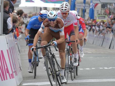 21 équipes dont 5 UCI World Teams,14 UCI Pro Teams et 2 Continental
