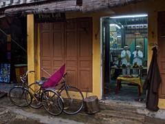 Tapshanov - Hoi An, Vietnam