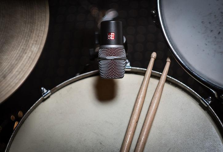 drums-4124227_1920.jpg