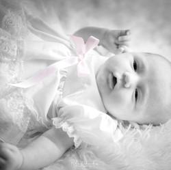 upload newborn  bw photoshoot-023.jpg