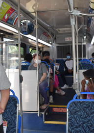 A mid-day boarding on Route 1 at Downtow