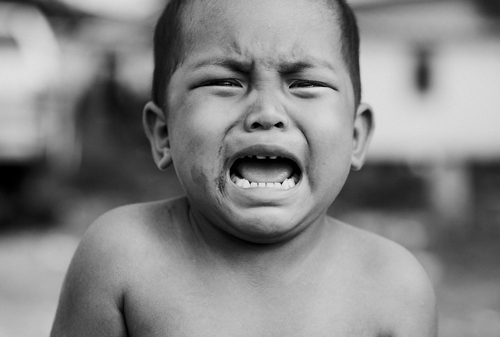 Crying Hispanic Child Photo by it's me neosiam from Pexels