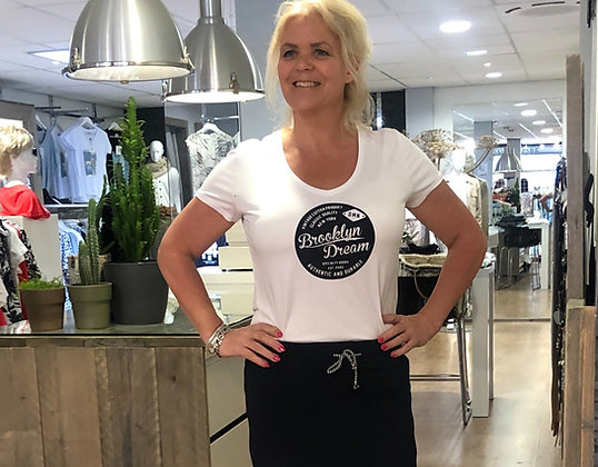 T-Shirt V-Hals SuzyQ Wit BlauwPrintText