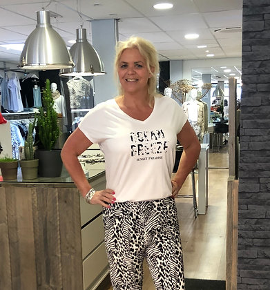 T-Shirt Elvira Wit ZwTekst V-Hals