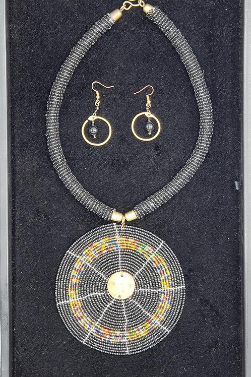 Beaded Necklace Set (Black/Brass)