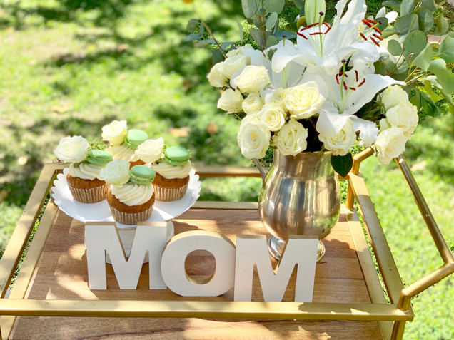 Simple & Neutral Mother's Day Table