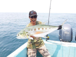 Big Queenfish by thailand-fishing.