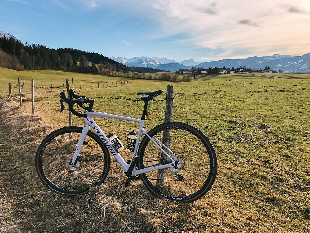 Bei Hofen mit Blick auf die Oberstdorfer Berge
