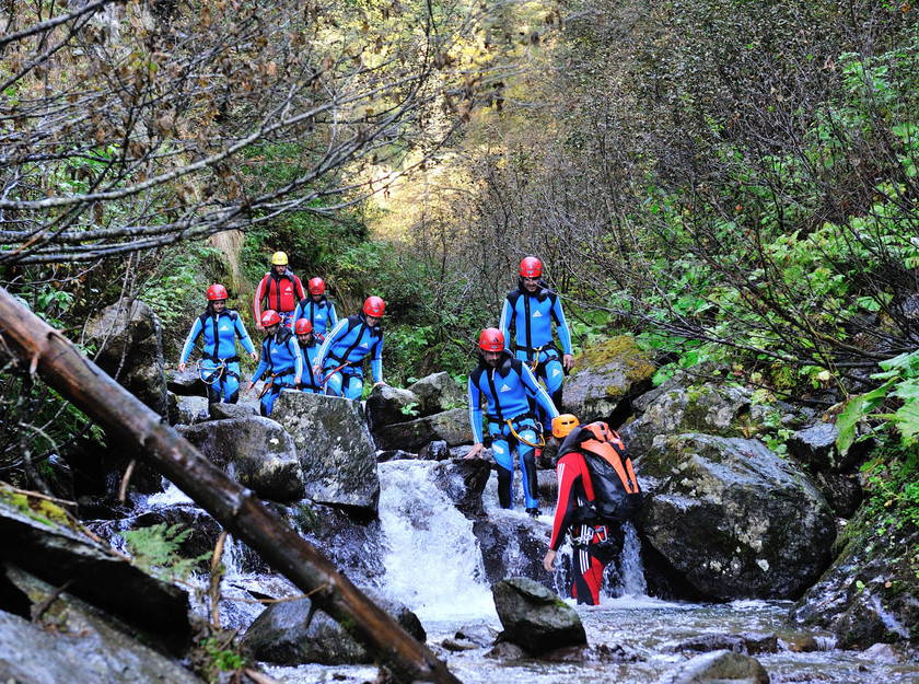 Canyoning durch Wald & Fluss