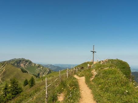 Am Grat entlang über Mittag und Steineberg zum Stuiben