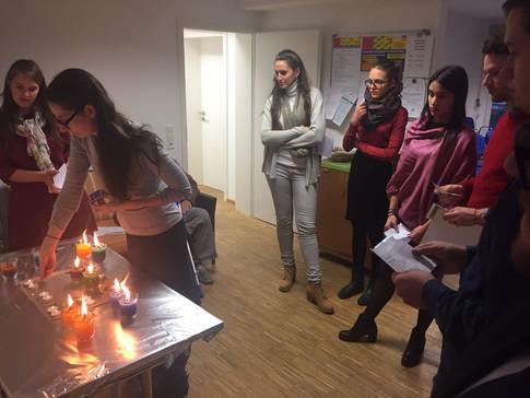 Shabbes Projekt - Kerzenzünden vor Shabbat