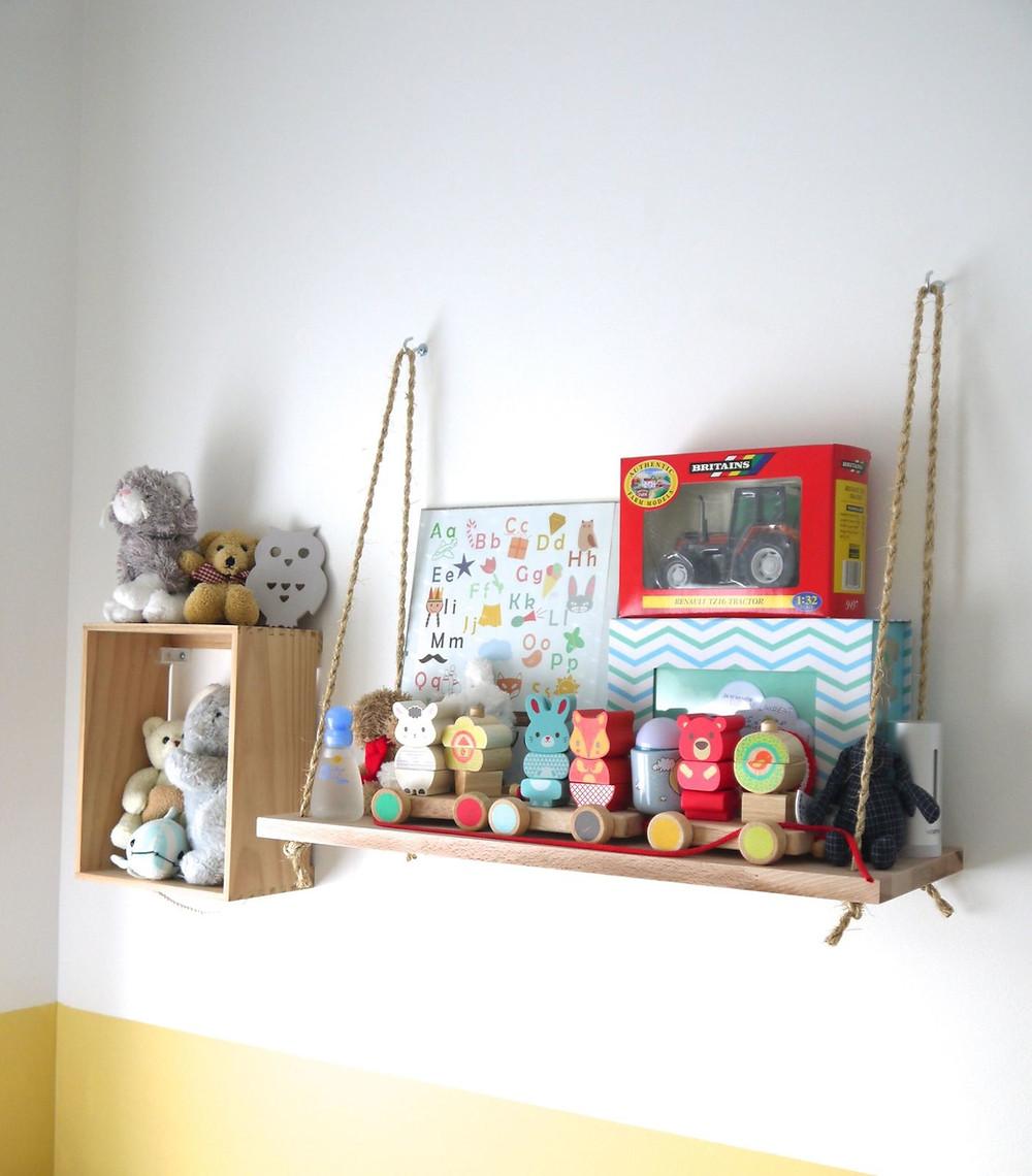 Etagere balancoire chambre enfant