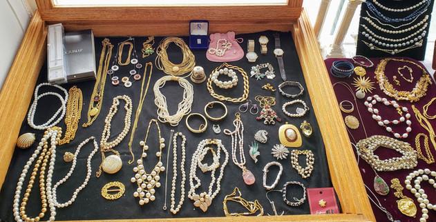 Assortment of Jewelry