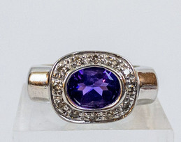14kt White Gold and Amethyst Ring