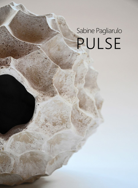 PULSE è indubbiamente il frutto maturo di una grande ricerca interiore e della mia poetica che da sempre affonda le sue radici in un bisogno di essenzialità.  PULSE is the result of years of inner searching and of a poetics that has always rooted itself in a burning desire of essentiality.