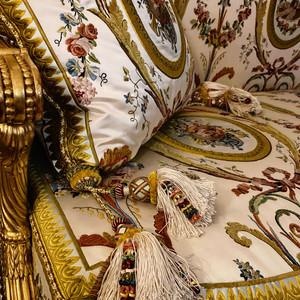 Les Soieries du Cabinet du Billard de Marie-Antoinette au Château de Versailles