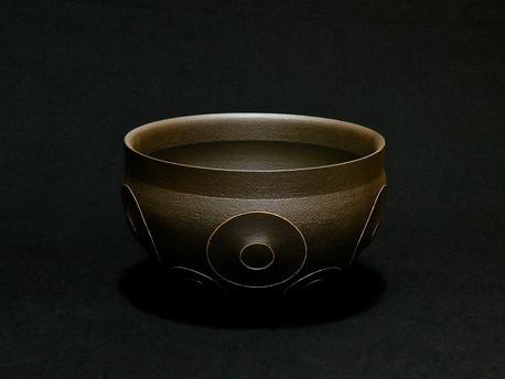 「黒鉄二重円形切子紋器」