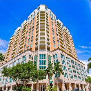 1350 Main St, Sarasota