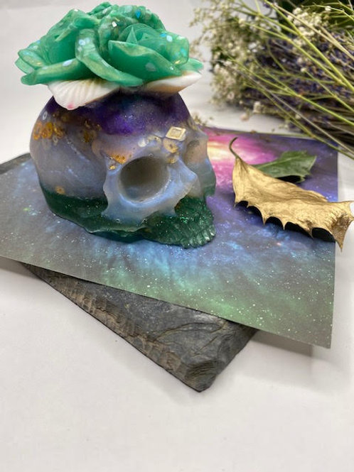 Resin Altar Skull: Green Twinkle Roses-for-Brains, Lavender & Steampunk Glitter