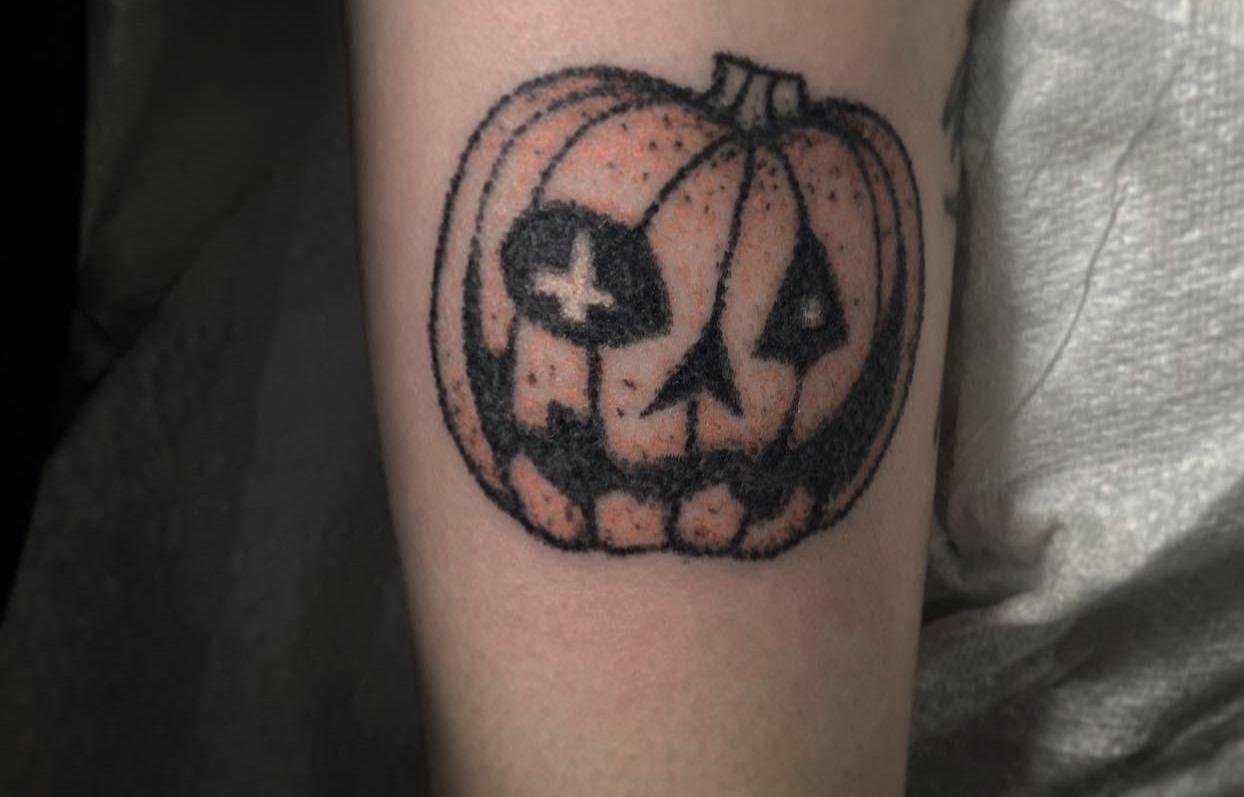 pumpkin tattoo by alexandra godwin your place to space handpoke