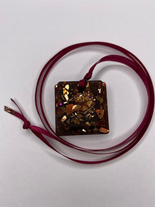 Resin Pendant: Double Decker - Chestnut Gold Squares