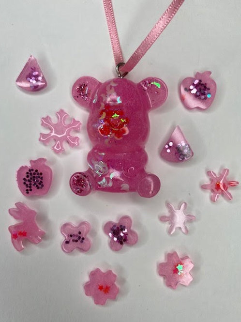 Resin Pendant: Kid's Pack - Teddy with Pink Glitter Charms (13pcs)