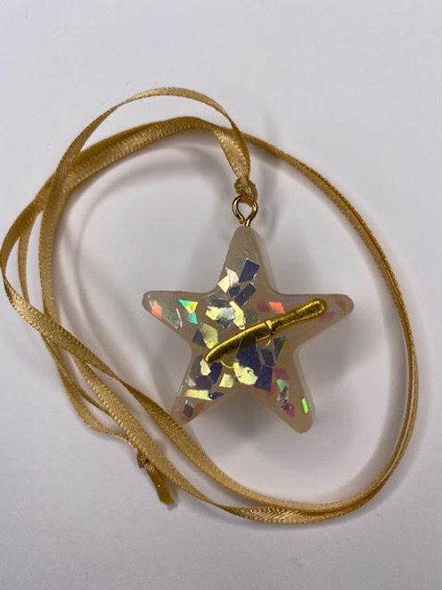 Resin Pendant: Star - Gold 'Knife Party'