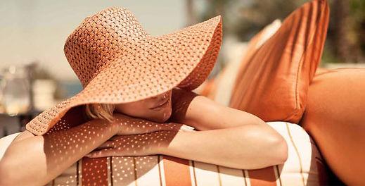 hhonors_sunbathing_2col.jpg