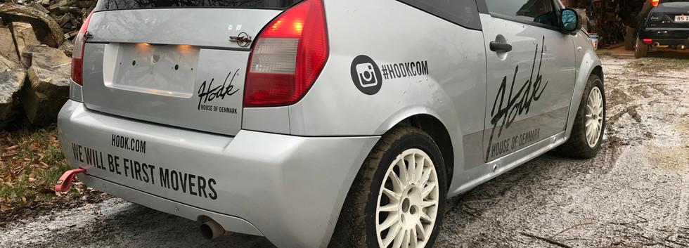Bil_fra_højre_bag.JPG