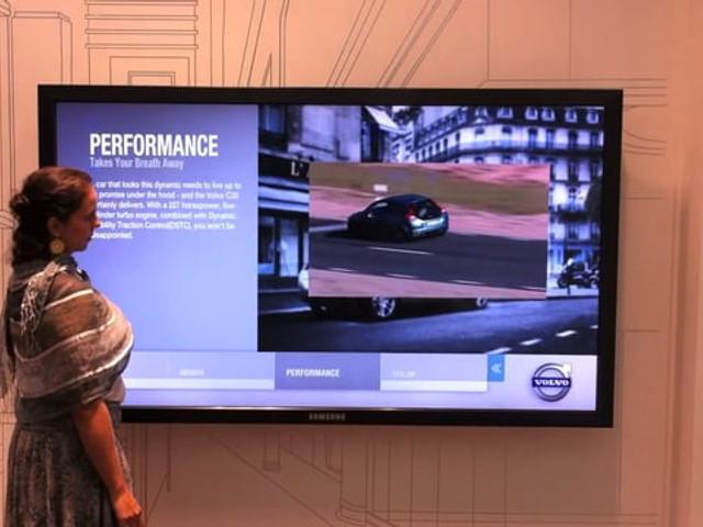 """Volvo Experience Tela Interativa 80"""""""