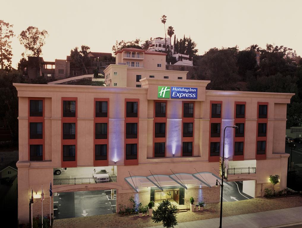Holiday Inn Express Hollywood Walk of Fa