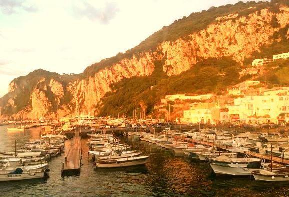 Isla de Capri y Anacapri en Italia